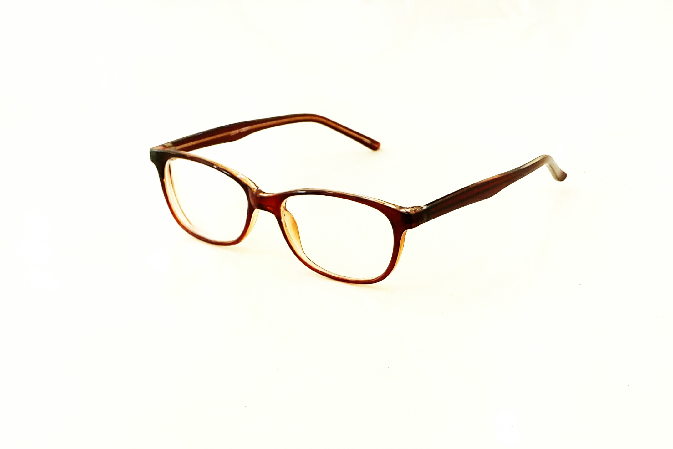 Nous vous présentons quelques exemples de lunettes que nous proposons au  magasin de la Fondation. Le choix est très souvent renouveler. 3cf4706cba47